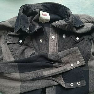 Men's Levi's button down